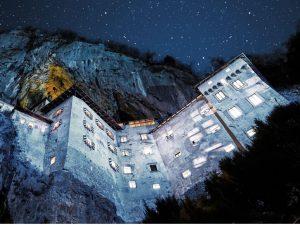 Incredible Slovenia_castles_postojna_grad_predjama_castle