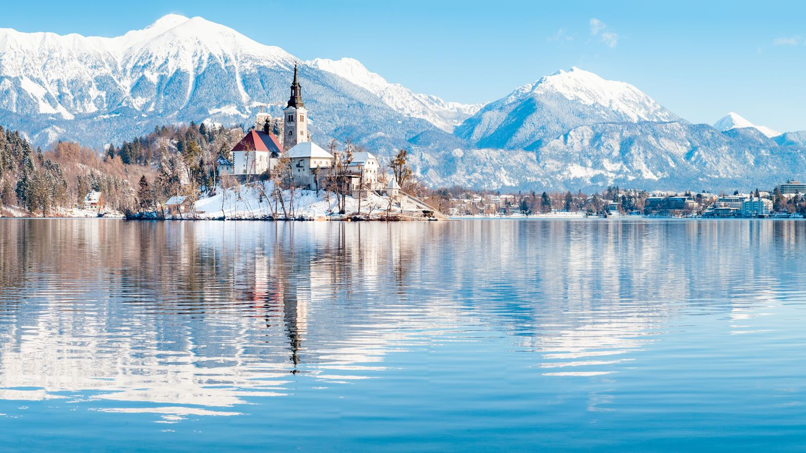 A-magical-winter-fairytale-in-Slovenia