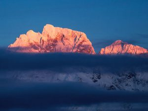 Incredible Slovenia_mountain peaks in the morning sun